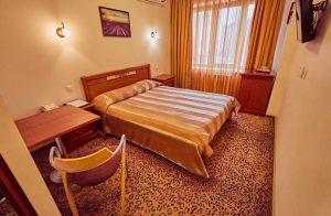 Стандартный двухместный номер с 1 кроватью (1-й категории)