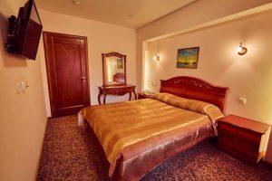 Люкс с кроватью размера «queen-size»